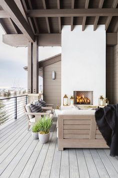 I have been dreaming about this Park City weekend home ever since I saw it in Elle Decor. Designed by the very talentedNicole Davis, thishome has just the right amount of rustic to its ranch and just enough farmhouse to not be overly modern.