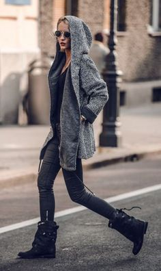 Rock 'n' Roll style. Black boots, big gray hood & black pants. All u need to rock a look