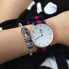 A classic Daniel Wellington watch from our first collection www.danielwellington.com  #danielwellington #danielwellingtonwatch #dw #watch #elegant #preppy #gorgeous #details #outfit