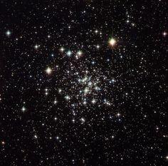 Una foto Esa/Nasa di #stelle nella #costellazione del #Serpente  An Esa/Nasa picture of  #stars in the #constellation #Serpens