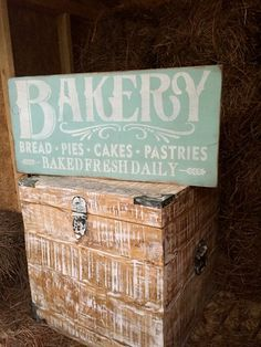 """""""Bakery. . .Fresh Daily"""" Rustic Wood Sign Vintage Mint Green 