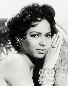 Dorothy Dandridge, 1954. A beautiful, classy lady. Her bling is perfectly dazzling.