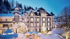Eine Blüte der Kitzbüheler Gastkultur erstrahlt in neuem Glanz. Mit alpiner Behaglichkeit, Komfort und raffinierter Eleganz. Hotels, Boutique, Mansions, Komfort, Erika, House Styles, Home Decor, Bartenders, Real Estates