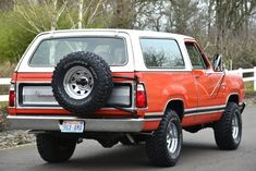 Bid for the chance to own a No Reserve: 1977 Dodge Ramcharger SE at auction with Bring a Trailer, the home of the best vintage and classic cars online. Dodge Pickup, Dodge Trucks, New Trucks, Cool Trucks, Pickup Trucks, Station Wagon, Dakota Truck, Dodge Ramcharger, Classic Car Insurance