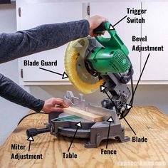 I was so frustrated! My miter saw was cutting crooked and all of the cuts for my DIY projects were messed up! Then I found this tutorial with the best tips! I learned how to square the blade to the table and the fence to the blade. Now my miter saw cuts straight every time! #mitersaw #diy #woodworking #woodworkingtips #woodworkingtools #woodworkingideas #diywoodworking #sawsonskates Beginner Woodworking Projects, Woodworking Videos, Woodworking Furniture, Woodworking Tools, Woodworking Jigsaw, Carpentry Projects, Japanese Woodworking, Woodworking Workshop, Woodworking Techniques