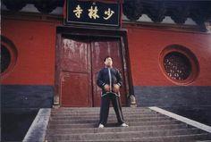 Шаолинь 1999 (фото на сайте www.qigong.ru/)