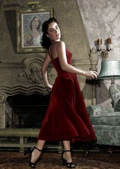 Elizabeth Taylor In Red Old Hollywood Glamour, Vintage Hollywood, Golden Age Of Hollywood, Classic Hollywood, Young Elizabeth Taylor, Most Beautiful Women, Beautiful People, Divas, Violet Eyes