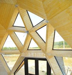 Transform a Geodesic Dome into a cozy home, restaurant or concert hall Geodesic Sphere, Geodesic Dome Homes, Yurt Home, Online Home Design, Shell Structure, Home Design Magazines, Carpentry Projects, Dome House, Garden Architecture