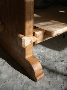 "Oak ""Water Wheel"" Bench - Fine Woodworking"
