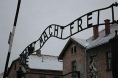 Тайны Второй Мировой: Кем были семнадцать британских заключённых, которых держали в концентрационном лагере Освенцим? http://muz4in.net/news/7_strannykh_tajn_vremjon_vtoroj_mirovoj_vojny_kotorye_kasajutsja_nacistskoj_germanii/2016-10-13-42165