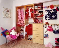 Cuándo se trata de habitaciones para niños , siempre uno se imagina una habitación desordenada, poco limpia, con los juguetes dispersos. Est...