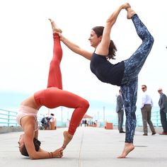 50 Fantastic Yoga Poses You Can Try In 2019 - Page 2 of 50 - Chic Hostess Acro Yoga Poses, Yoga Poses For Two, Partner Yoga Poses, Yoga Poses For Beginners, Physical Fitness, Yoga Fitness, Easy Fitness, Fitness Routines, Fitness Tips