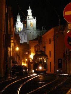 Tram in Alfama, Lisboa