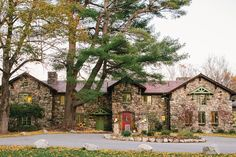 A Historic Estate Surrounded By Hundreds Of Archers State Protected Forest Perfect For Weddings In Every Season New England Fall Wedding At Willowdale