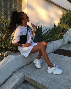 Women's streetwear appreciation Post - Streetwear Look, Women's fashion, Women's sporty look - Fashion Moda 2019 Trendy Outfits, Summer Outfits, Fashion Outfits, Womens Fashion, Fashion Belts, Ootd Fashion, Fall Fashion, Fashion Trends, Fila Outfit