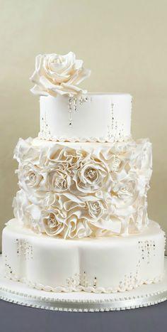 Wedding Cake with a neat base Wedding Cake Roses, White Wedding Cakes, Elegant Wedding Cakes, Beautiful Wedding Cakes, Gorgeous Cakes, Pretty Cakes, Amazing Cakes, Fondant Cakes, Cupcake Cakes