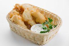 Egli im Bierteig Fish Dishes, Fresh Rolls, Hummus, Seafood, Dairy, Cheese, Cooking, Ethnic Recipes, Video