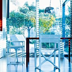 Folding chair in white polyamide mod. La Regista, Serralunga. // Silla plegable en poliamida blanca mod. La Regista, Serralunga. // Sedia pieghevole in poliammide bianco mod. La Regista, Serralunga. #foldingchair #sillaplegable #sediapieghevole #polyamide #poliamida #poliammide #serralunga