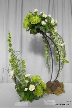 Flower Show Beverly Stevenson Contemporary Flower Arrangements, Large Floral Arrangements, Beautiful Flower Arrangements, Floral Centerpieces, Beautiful Flowers, Centrepieces, Ikebana, Church Flowers, Japanese Flowers