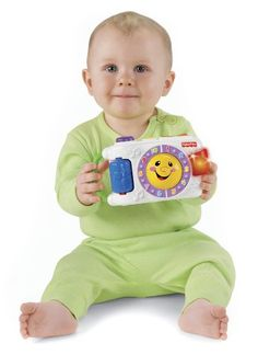 Fisher-Price Laugh Learn Learning Camera entertains baby with fun sounds and lights. Take the Learning Camera everywhere with the integrated handle. Fisher Price Baby Toys, Baby Lernen, Sing Along Songs, Kids Electronics, Preschool Games, Educational Toys For Kids, Toddler Gifts, Kids Learning, Baby Love