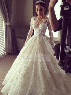 Luxury Ball Gown Long Sleeves Muslim Arabic Sheer Dubai Bridal Wedding Gown #ddaydress #bridal #arabic #wedding