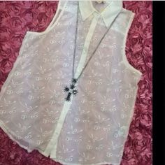 """LISTING Lucky Brand White Eyelet Top Perfect to wear with your favorite capris or underneath a denim jacket. 26"""" long, 23"""" PTP. 10-15-15 Lucky Brand Tops Blouses"""