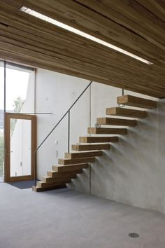 ..floating stairs