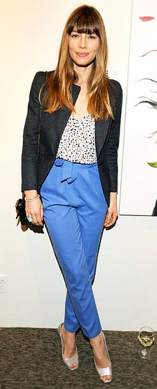 Jessica Biel in trousers and blazer.