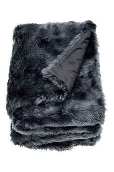 Plaid in finta pelliccia   H&M