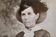 The truth about the Wild West's female outlaws Wild West Outlaws, Historical Women, American Frontier, Old West, Famous Women, Grunge, Female, History, Barn