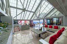 A Contemporary Oceanfront Home in Malibu is On the Market | Living Room