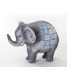 Jim Shore Zoo Animals Mini Elephant Figurine Jim Shore http://www.amazon.com/dp/B00H2TXE2S/ref=cm_sw_r_pi_dp_UBFeub0E97Y15