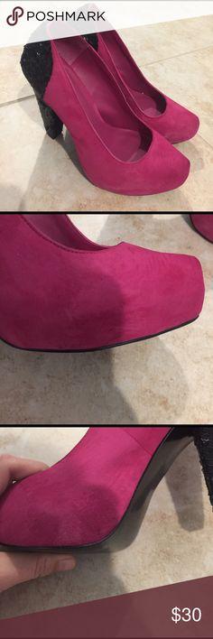 Bcbg 9 pink fuchsia pumps Worn but in great condition BCBG Shoes Heels