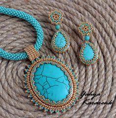 Beaded Choker Necklace, Beaded Brooch, Beaded Jewelry, Bead Embroidery Jewelry, Beaded Embroidery, Bead Crochet Patterns, Necklace Tutorial, Homemade Jewelry, Jewelry Patterns