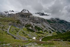 Passo di Stelvio= the stelvio pass, according to Top Gear, the most amazing driving road in the world!