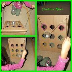 Çocuklar bu oyuna bayıldılar! :)) Oyunda amaç, topu iple yönlendirerek, hedef olarak belirlediğin deliğe denk getirmek ve topu...