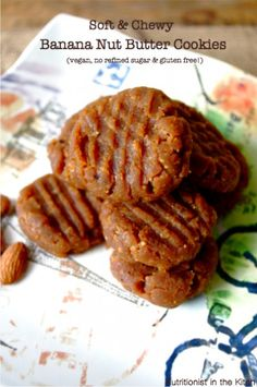 Soft & Chewy Banana Nut Butter Cookies (vegan, no refined sugars & GF! They were cold, chewy, and delicious! Paleo Dessert, Gluten Free Desserts, Vegan Desserts, Delicious Desserts, Dessert Recipes, Yummy Food, Vegan Meals, Dessert Ideas, Dinner Recipes
