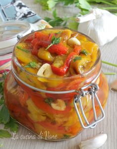 PEPERONI SOTT'OLIO da conservare, ricetta piatto estivo gustoso Antipasto, Veggie Side Dishes, Side Dish Recipes, Canning Soup Recipes, Best Italian Recipes, Soul Food, Appetizer Recipes, Food And Drink, Brunch