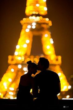 a kiss in Paris... @}-,-;—