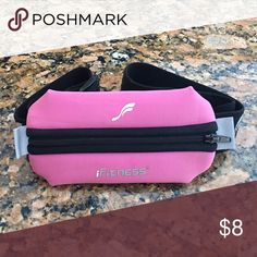 iFitness runners belt Neoprene zipper pouch. iFitness Other