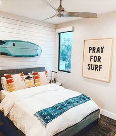 Lil' Grom bedroom inspo by - The Pray for Surf banner in this image is and available in my shop! 🌊 SHOP LINK IN BIO - custom framing by Beach Room Decor, Beachy Room, Cute Room Decor, Room Ideas Bedroom, Bedroom Decor, Bedroom Inspo, Surfer Room, Surf Bedroom, Aesthetic Room Decor