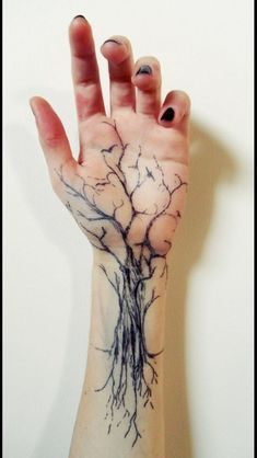 55 Baum Tattoo Designs 55 Tree Tattoo Designs & Künstler The post 55 Baum Tattoo Designs & Tattoo ideen appeared first on Tattoos . Hand Tattoos, Forearm Tattoos, Body Art Tattoos, New Tattoos, Tatoos, Tree Sleeve Tattoos, Maori Tattoos, Yakuza Tattoo, Life Tattoos