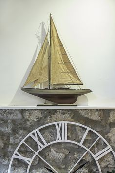 Antique style sailing yacht  H: 1000mm L: 760mm W: mm