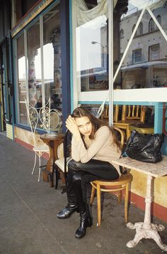 #TBT: Angelina Jolie Was Way Cooler at 19 Than We Were via @WhoWhatWearUK