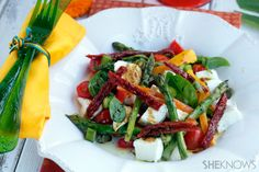 Mozzarella, peppers & asparagus summer salad recipe