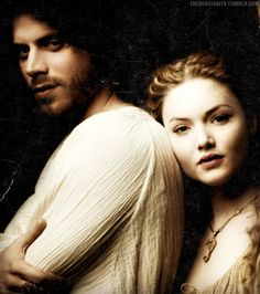Holliday Grainger and François Arnaud as Lucrezia and Cesare Borgia