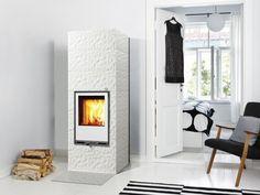 Tulikivi Kide 2 fireplace with Figure surface.