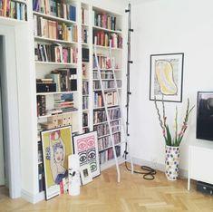 Billy Ikea, Ikea Billy Bookcase Hack, Billy Bookcases, Bookcase Lighting, Bookcase Styling, Bookshelf Inspiration, Interior Inspiration, Billi Regal, Bookcase Makeover