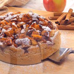 Instant Pot Apple Ca Instant Pot Apple Cake Apple Desserts, Köstliche Desserts, Apple Recipes, Delicious Desserts, Cake Recipes, Dessert Recipes, Instant Pot Cake Recipe, Instant Pot Dinner Recipes, Sticky Toffee Pudding