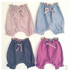 """I made bloomers with linen & dungaree fabric.Liberty print fabric is """"Margaret Annie"""" """"Ciara"""" """"D'anjo"""" they're all size1~2years old.  リネンとダンガリー生地でサイズ90〜100cmのカボチャパンツを作りました。 リバティは「マーガレットアニー」「シアラ」「ダンジョ」です。"""